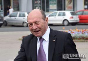 Klaus Iohannis a SEMNAT: Drepturile de fost președinte ale lui Băsescu, retrase din cauza colaborării cu Securitatea